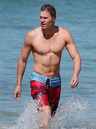 Chris Brown DVM | Bondi Vet Chris Brown goes for a swim in Bondi / Pic: Splash News ...