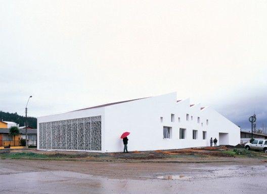 Licanten Public Library - Emilio Marin © Cristobal Palma