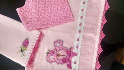 LOY HANDCRAFTS, TOWELS EMBROYDERED WITH SATIN RIBBON ROSES: CONJUNTO PARA MENINAS