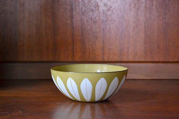 "vintage midcentury modern enamel 5 1/2"" #cathrineholm lotus bowl #midcenturymodern #lotusbowl  #holm #danishmodern #homedecor #vintage #vintagehome #compostthis #etsy @etsy"
