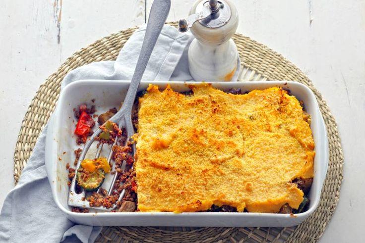 Met deze ovenschotel met zoete-aardappelpuree heb je gelijk al je groenten binnen voor de hele dag! - Recept - Allerhande