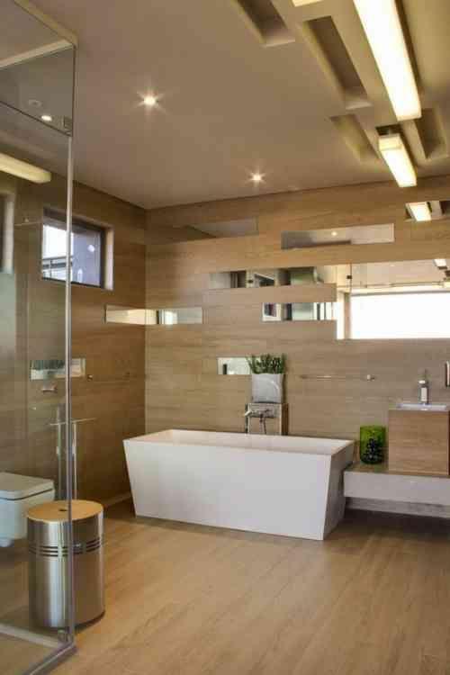 salle de bain avec déco géometrique