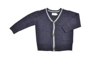 Sweater tipo cardigan para bebe niño, con textura similar al cashmere, en color azul oscuro.