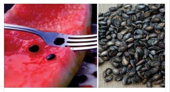 Molte persone quando mangiano il cocomero, hanno l'abitudine di scartare i semi, ma forse non sanno che sono commestibili e che contengono preziose sostanz