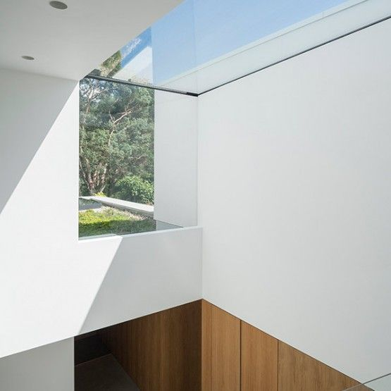 The eaves system takes the Flushglaze concept one step further by allowing the use of vertically glazed sections to be connected to overhead glazing. The results can be stunning!