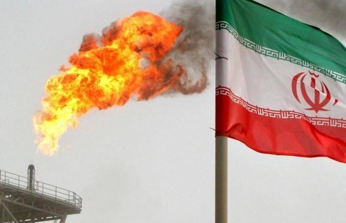 الرفع الكامل للعقوبات على إيران ليس على طاولة بايدن In 2021 Outdoor Decor Home Decor Decor
