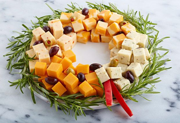 Cheese and olive wreath