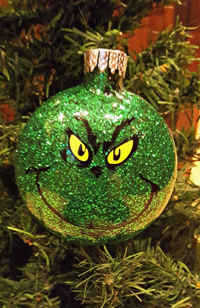 DIY glitter ornament tutorial.  So easy and fun to do!  Check out the possibilities.  Great gift idea!