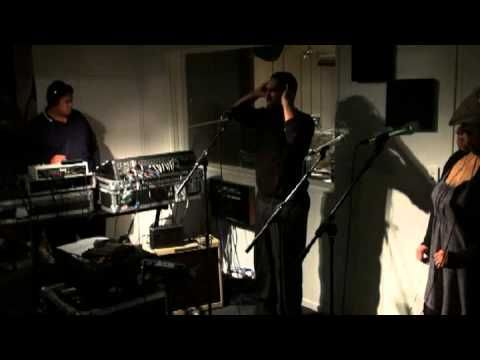 Fat Freddys Drop - Blackbird (live @ Red Bull NZ Studio, Auckland, New Zealand 2010)