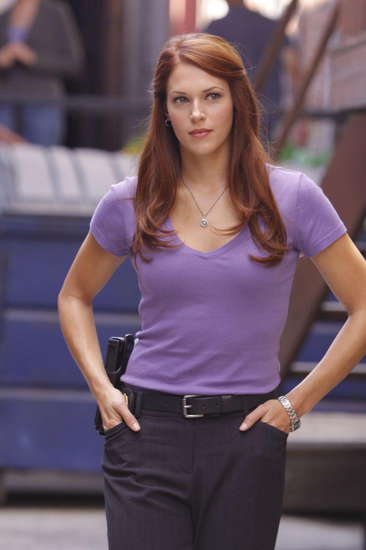 Amanda Rhigetti as Clarice