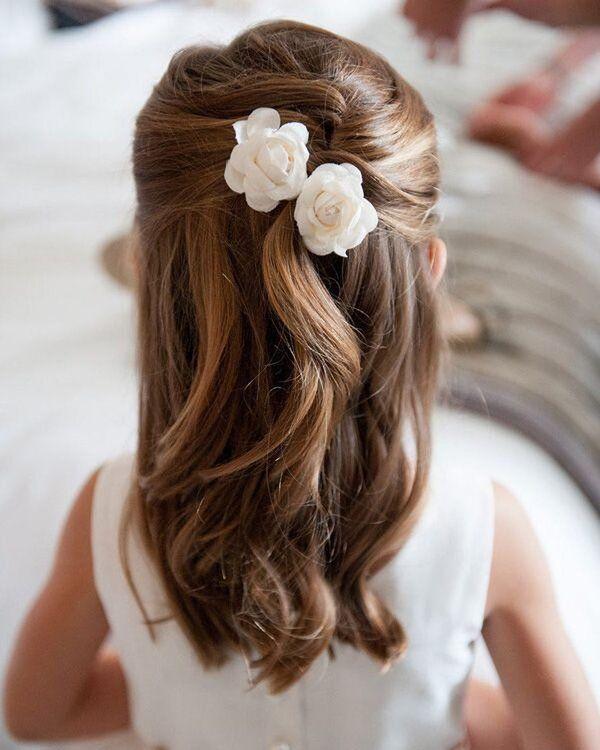 Die 20 Bezauberndsten Ideen Fur Blumenmadchen Frisuren Kommunion Frisur Madchen Madchen Frisuren Kommunion Frisuren