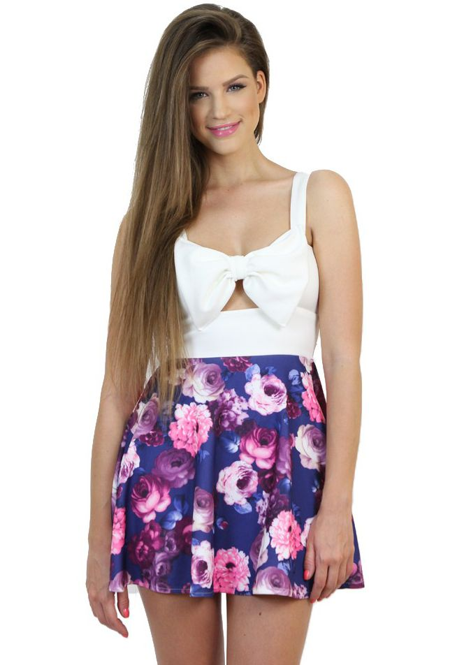 Blue-base Floral Print Dress perfect to show off your girly features and fab silhouette. Avilable at www.famevogue.ro.  #dress #floral #fashion #style #trends