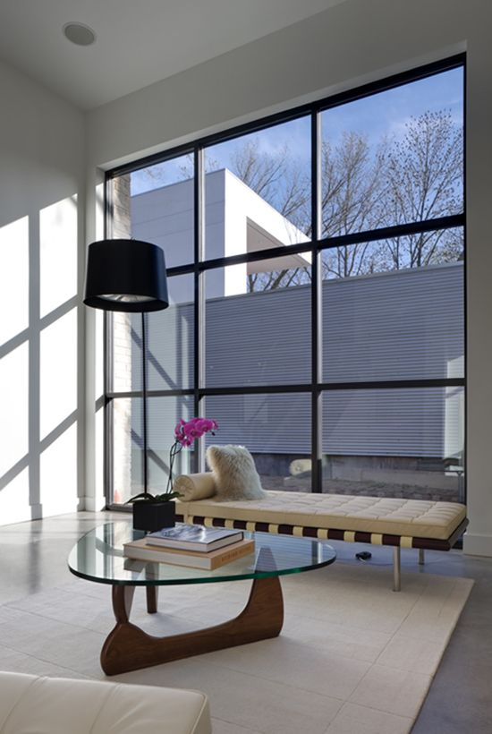 Barcelona Daybed by Mies Van Der Rohe :: 1929 and Noguchi Isamu Table ::