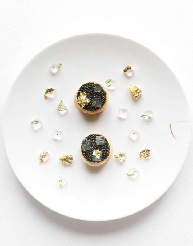 """Nicolas Buisson Photography - Food - 22. Jaunes d'oeufs de poule au caviar """"Golden Oscietre"""" Gelée de pommes"""