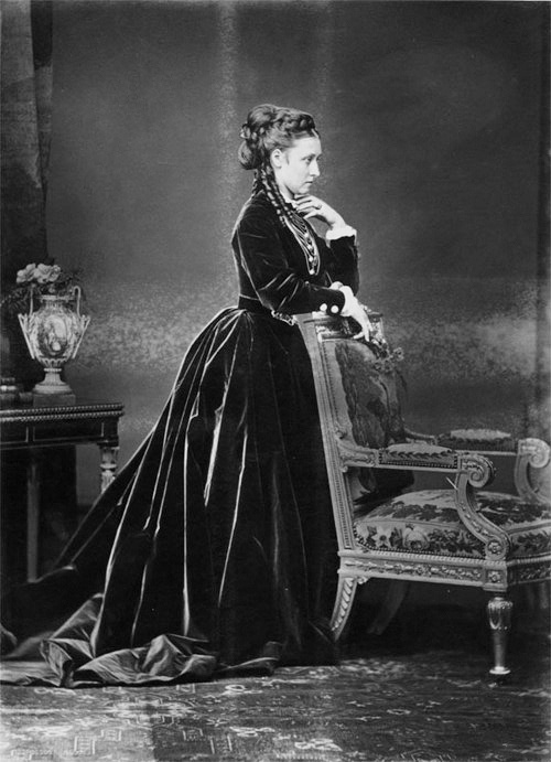 Never seen this one and I'm a big Louise fan. Look at her hair! Princess Louise, Duchess of Argyll (1848-1939)