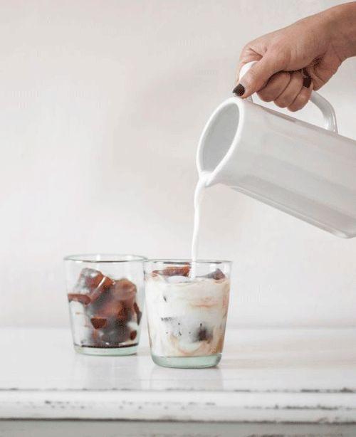 Cubitos de hielo alucinantes: pa quedarte helado! - El tarro de ideasEl tarro de ideas, café congelado con leche