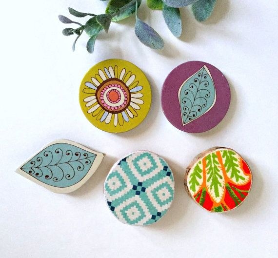 modern urban tree slice  and chipboard flower leaf magnets, decoupage magnets,  whimsical boho office refrigerator fridge magnet set (Q=5)
