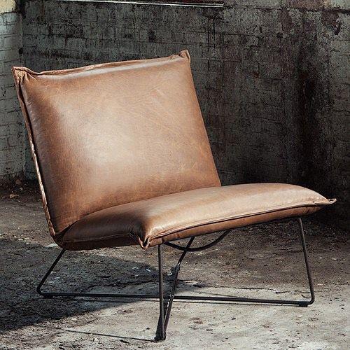 """""""Pure simplicity"""" - Jess Design. En unik skinnstol, enkelt design og med en utrolig komfort. Finnes i flere farger. #jessdesign#jess#earlchair#oliviashus#kristiansand#mandal"""
