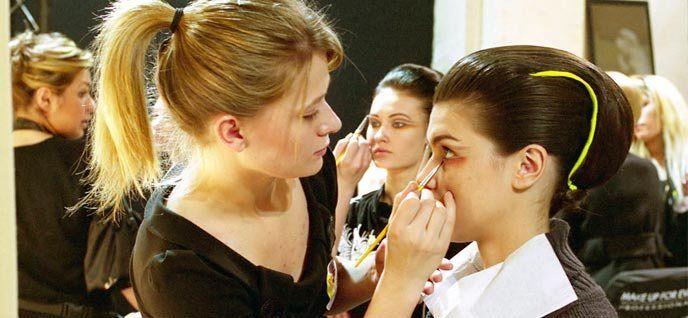 Curso De Maquillaje Profesional Con Certificado 20 Clases Gratis Curso De Maquillaje Profesional Curso De Maquillaje Curso De Maquillaje Gratis