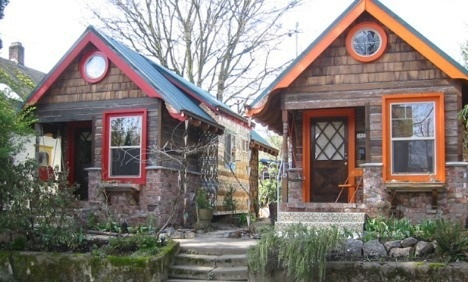 tiny house neighbors.: Idea, Tiny Gardens, Tiny House, Cottages Built, House Community, Small House, Portland Cottages, Portland Oregon, Gardens Cottages