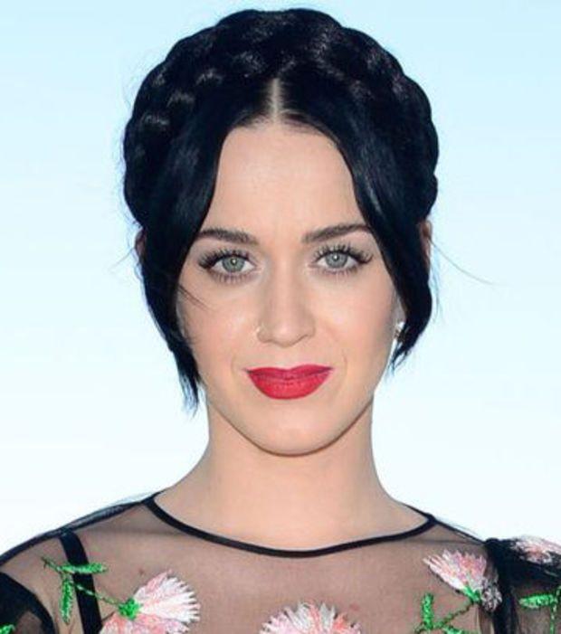 Katy Perry - 500 000 dollars (439 834,29 euros)