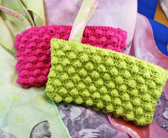 Cute lil crocheted makeup bag...