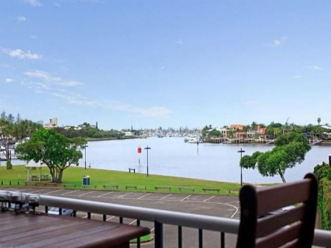 Water views, 300 m from Mooloolaba, a Mooloolaba APARTMENT | Stayz