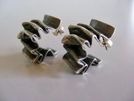 Claus Kaare Sørensen (DK), brutalist oxidized sterling silver sculptural earrings, 1972. #denmark | finlandjewelry.com