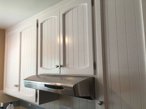 Painting old cabinets and my review on behr alkyd semi for Best white paint for kitchen cabinets behr
