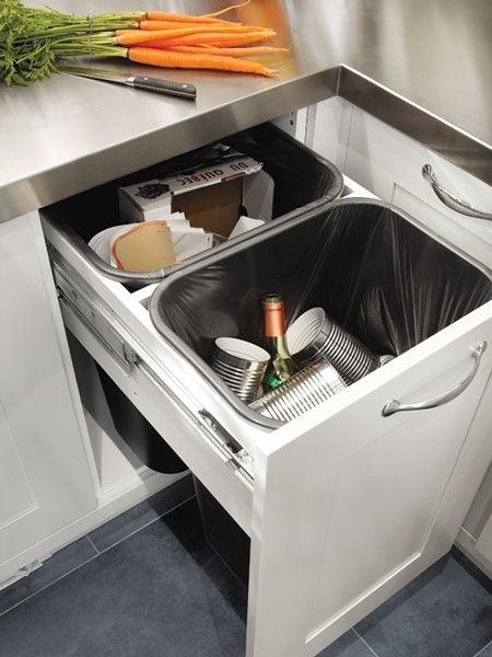 chef Ricardo Larrivée's well organized kitchen. Clean & easy recycling #KitchenDetails