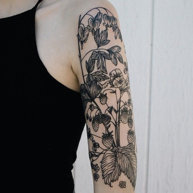 Bleeding heart, strawberries, clover, lily of the valley, and forget-me-not half sleeve for the winner of the last raffle. Thanks Camille! Don't forget - tomorrow night at midnight the winner is drawn for a free four hour tattoo! Details a few posts back.