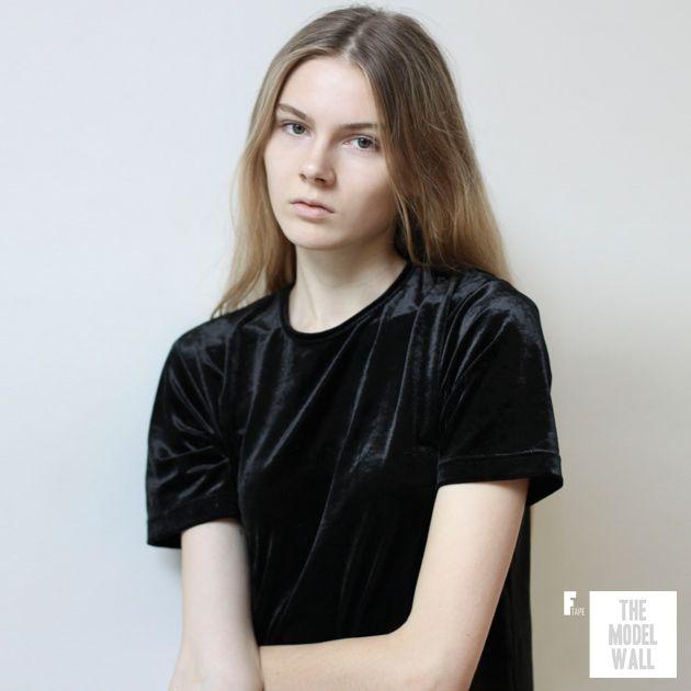 28 best images about femme models on pinterest discover more best ideas about posts models. Black Bedroom Furniture Sets. Home Design Ideas