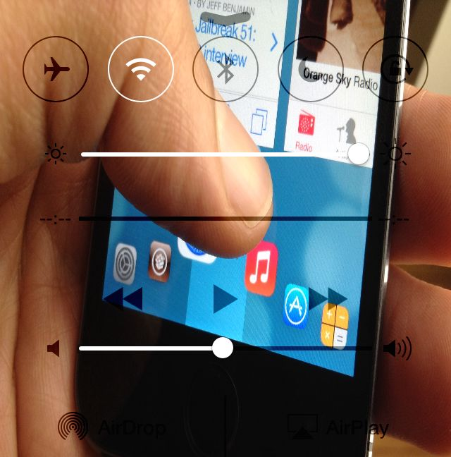 How to add wallpaper to Control Center in iOS 7