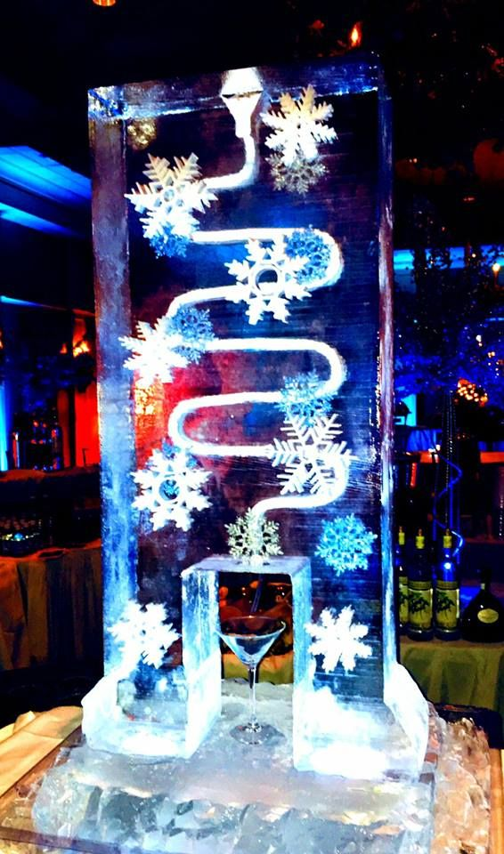 Full Ice Block Ice Luge For A Christmas Party At A Local Country Club Iceluges Christmasice Ice Luge Ice Sculptures Holiday Festival