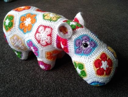 FUNKY FLOWER HIPPO | Felt