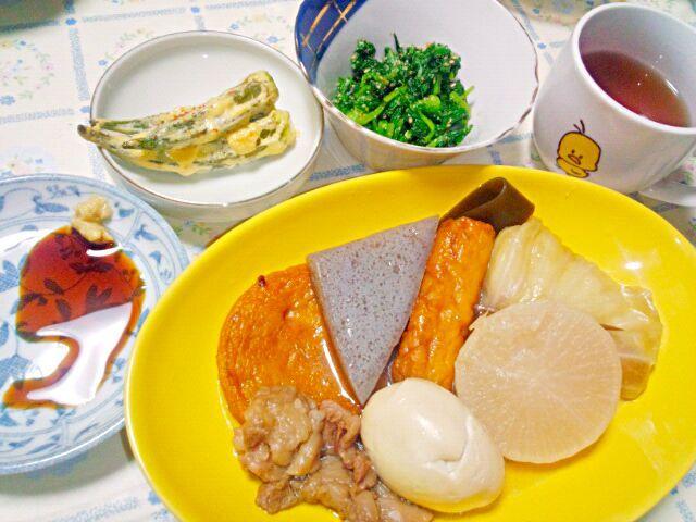 ロールキャベツの中は、ソーセージとお餅。  大根と玉子と蒟蒻が好き。 練り物はあんまり…。  前に姫路で食べた生姜醤油が美味しかったので、辛子や柚子胡椒もいいけど今回はコレで。   オクラの味噌マヨオーブン焼き  間引き菜のお浸し - 12件のもぐもぐ - あったかおでんの季節ですね☆ by blueapplec5