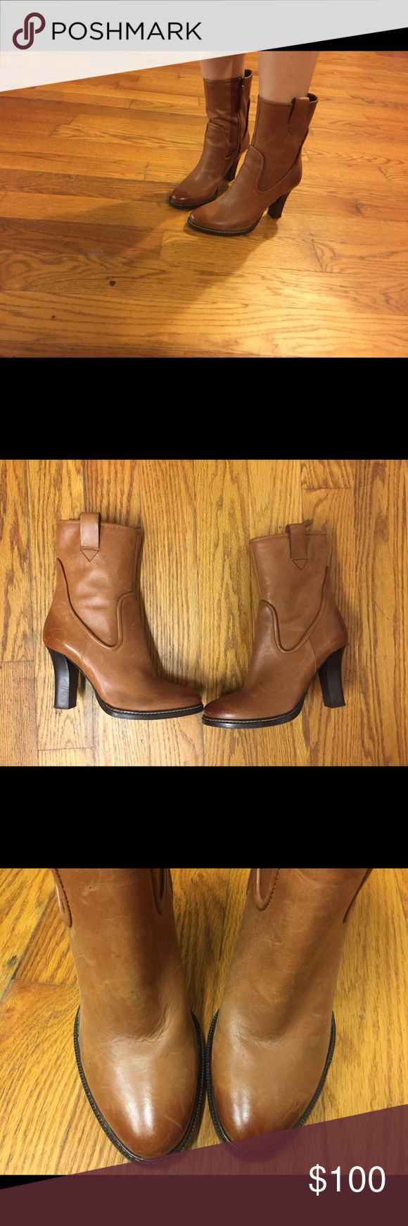 Hugo Boss Orange Leather Booties Hugo Boss Orange Leather Booties Made in Italy. Using them briefly once or twice. BOSS ORANGE Shoes Ankle Boots & Booties