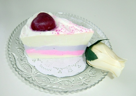 Cake-slice, cold process soap. Handmade and natural. http://alavendel.epla.no