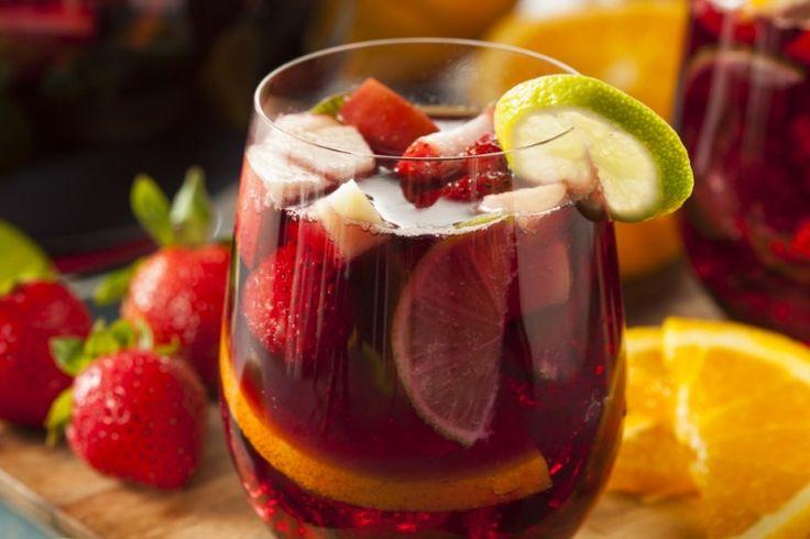 Sangria d'hiver...allez,  remplissez votre verre : Vin rouge, fruit, cannelle...