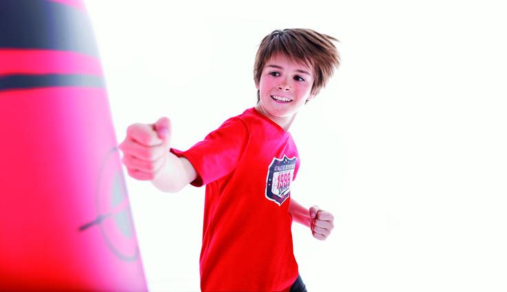 Otthon is lehet edzőtermed: http://www.decathlon.co.hu/1404-bokszzsak-kesztyu-kiegeszito