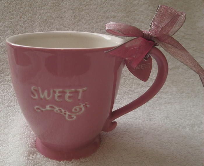 STARBUCKS COFFEE MUG SWEET PINK WHITE HEART VALENTINE 2006 15 OZ