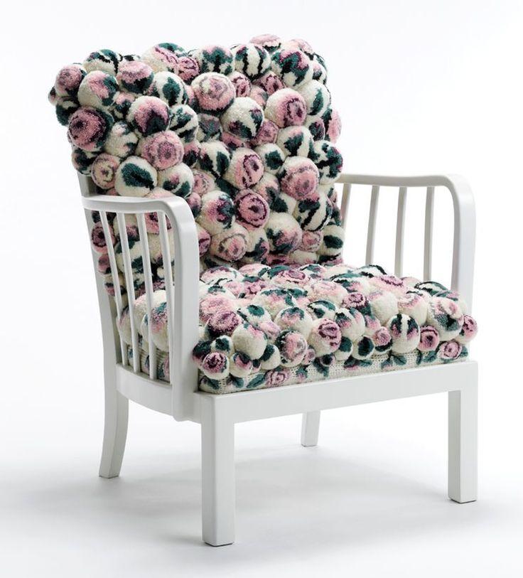 кресло из помпонов MYK