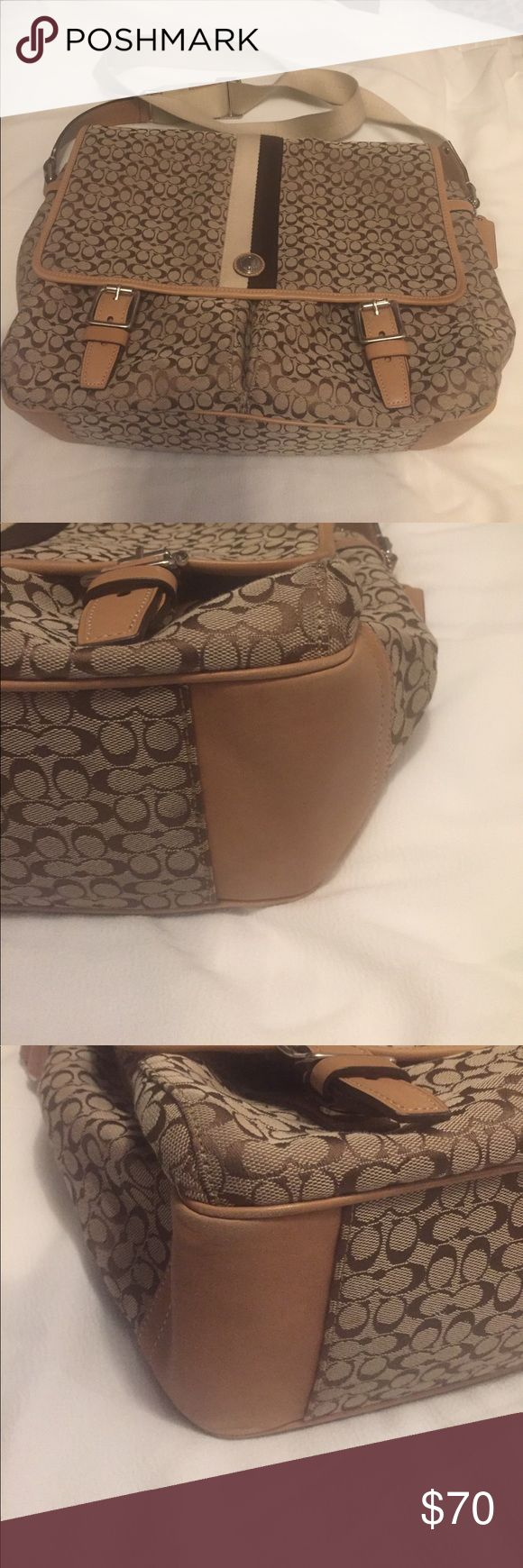 Authentic Coach Messenger bag 💼 This bag is practically perfect! Very little wear! It is perfect for work, school, or even a diaper bag! Coach Bags