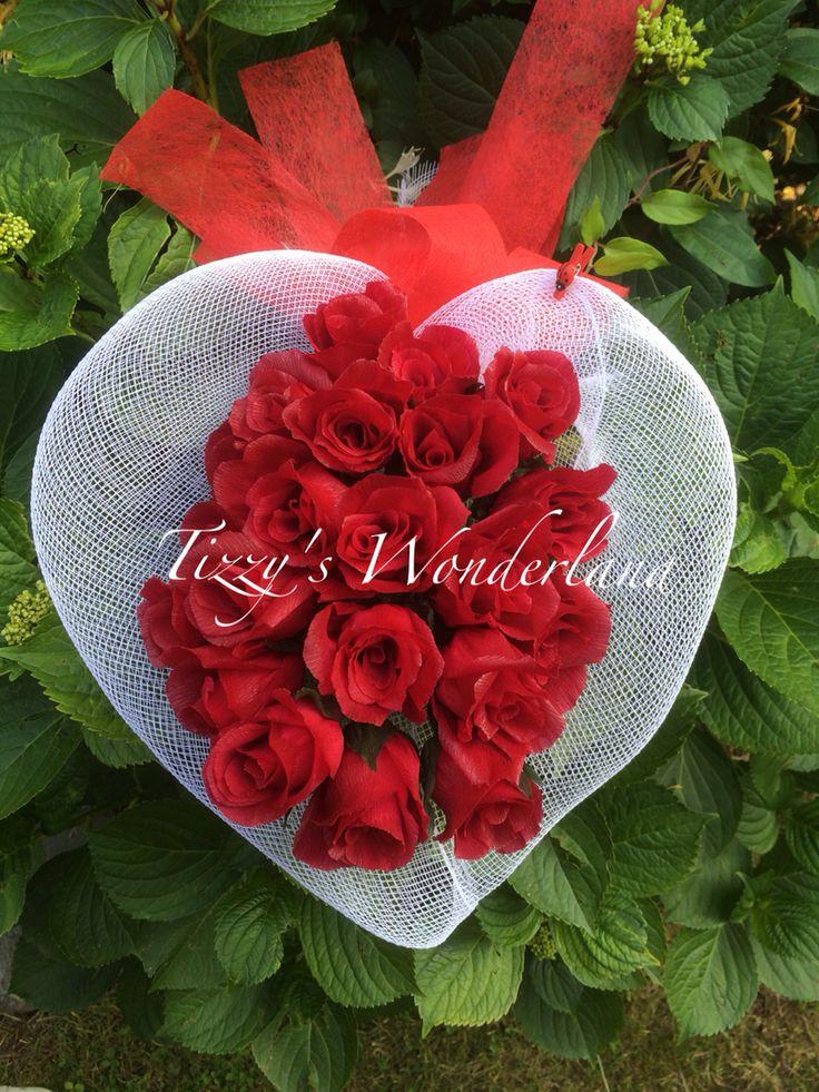 Bouquet di rose rosse in carta crespa! Crepe paper red roses bouquet!
