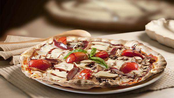 La #cocina italiana es mucho más que #pizza. Pero sin pizza, la vida sería mucho más aburrida. ¿Con cuál te quedas?  http://www.latagliatella.es/menu/le-pizze-pizzas/