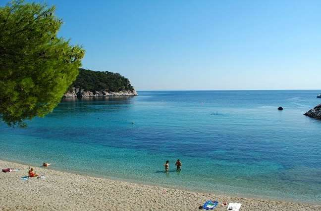 paralies skopelos Beaches to visit in Greece! stafilos