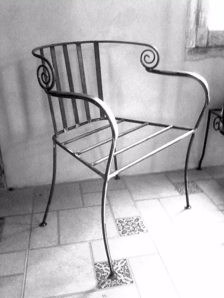 sillón de diseño en  hierro un cuerpo