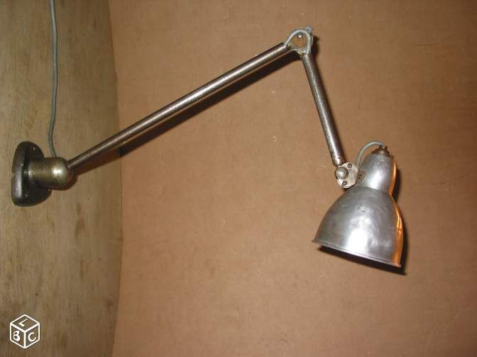 17 best images about objets et mobilier pour v2 on pinterest led industria - Lampe jielde applique ...