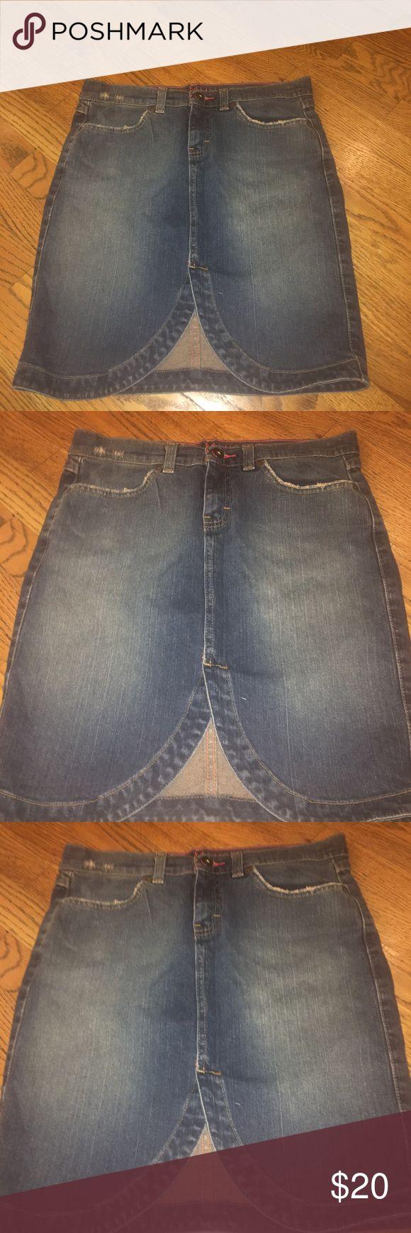 """Tommy Hilfiger Jean skirt Tommy Hilfiger Jean skirt size 5, waist  30"""", length 19"""", 99% cotton, 1% Lycra spandex Tommy Hilfiger Skirts"""