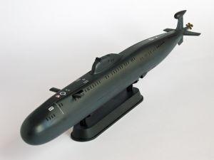 """Okręt klasy Victor - Model sowieckiego okrętu podwodnego klasy Victor. Model plastikowy, ręcznie złożony i ręcznie pomalowany w skali 1:350.    """"Soviet Navy Victor III Class"""" (101990) - this is model of soviet submarine, project 671RTMK. This is plastic model, hand-glued and hand-painted in 1:350 scale models."""